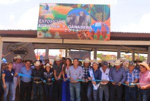 Inaugura @Alex_ZetinaA el área ganadera de la Feria #SanJoaquín2018