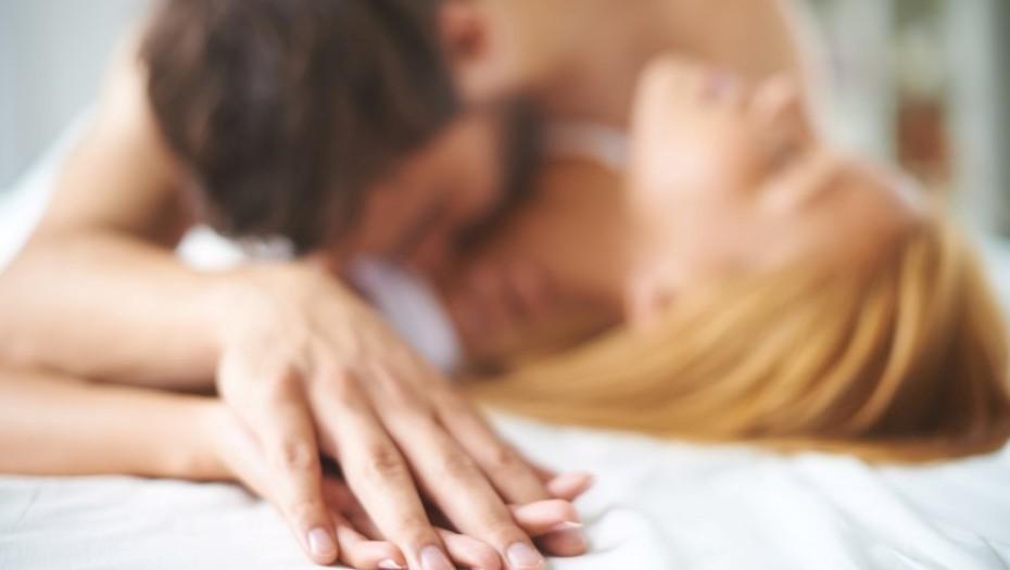 ¿Puedes contagiarte con Covid-19 a través de las relaciones sexuales?