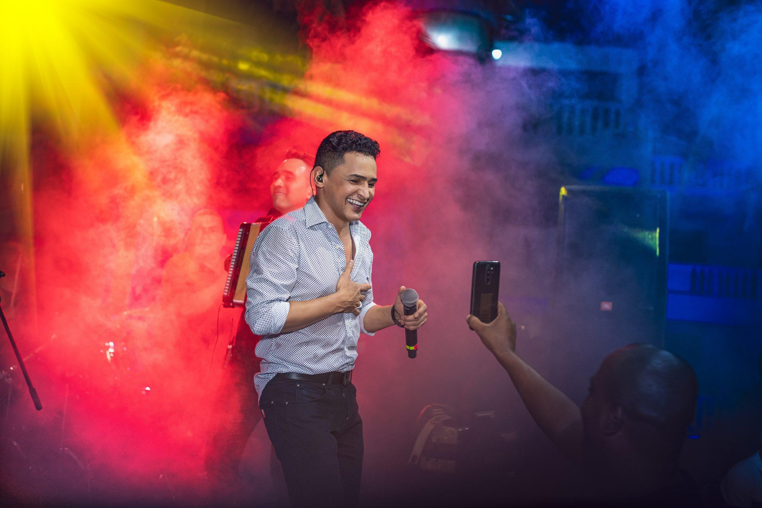 Colombia celebras fiestas de la Independencia de Estados Unidos, con Jorge Celedón