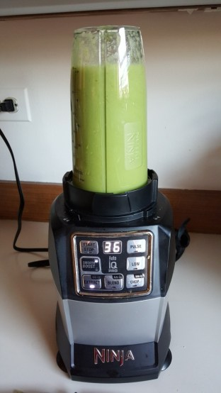 I make green smoothies in my Nutri Ninja and love them!