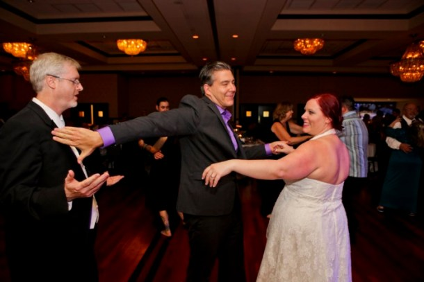 hilarious professional wedding photos: Candid dancing photos