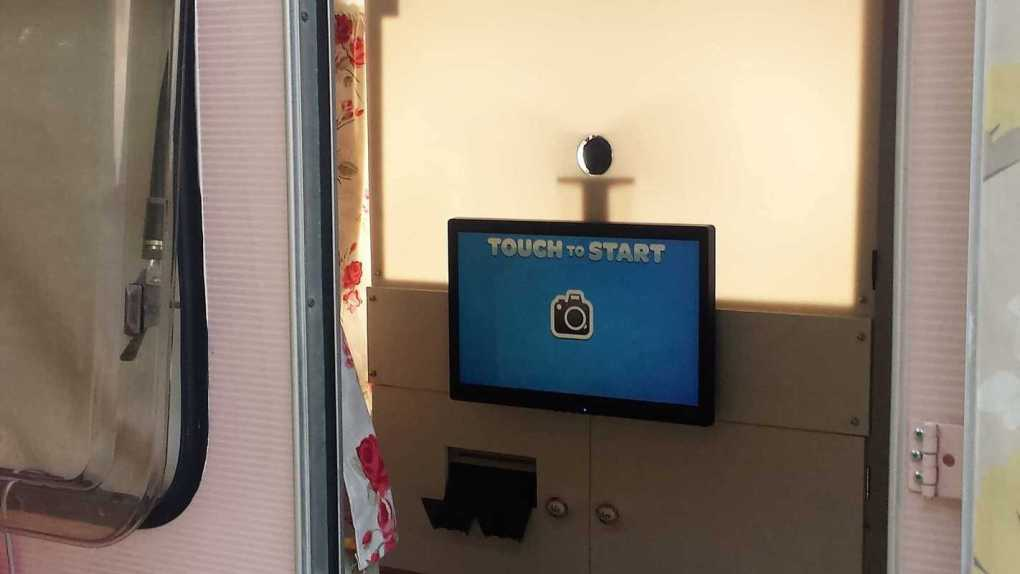 touch screen photo booth hire