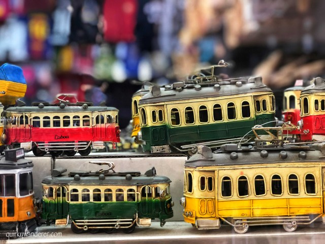 shopping in Portugal : tram toys