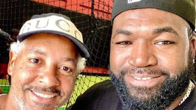 Photo of Manny Ramírez, la escuelita de bateo para hijo de  David Ortiz (Video)
