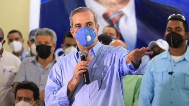 Photo of Luis Abinader se proclama ganador de las elecciones presidenciales en RD (Video)