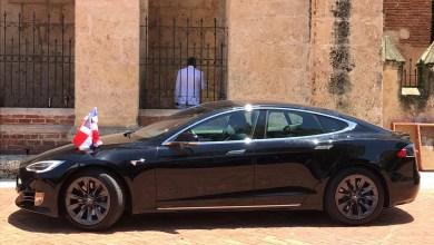 Photo of Automóvil eléctrico de Abinader llama la atención del dueño de Tesla (Video)