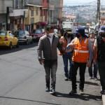Las obras de repavimentación de la Roldós caminan junto a la comunidad