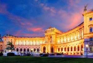 corte-asburgo-palazzo-hofburg-schonbrunn-imperatore-vienna-austria