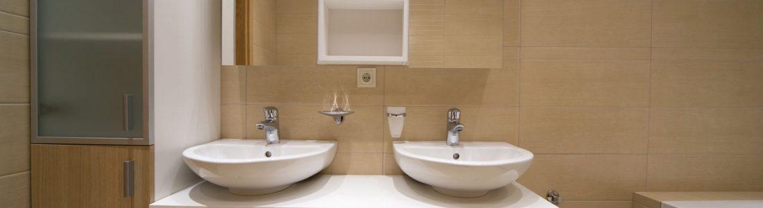 poser une colonne de salle de bains