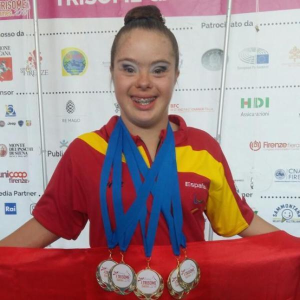 Sara-Marín-consigue-cinco-medallas-de-oro-en-gimnasia-rítmica.-Diario-Información-1