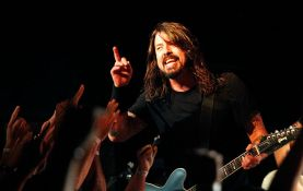 foo_fighters_tour_nos_alive