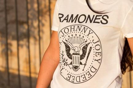 Camiseta_blanca_RAMONES+Johnny+Joey+DeeDee+Tommy_espana
