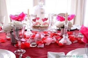 mesa-decorada-para-san-valentin