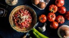 pipirrana jaen tomate huevo atun
