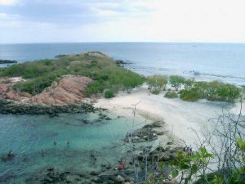 beach undersea in sri lanka