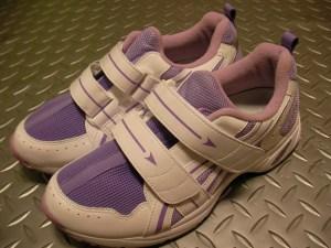 カーリートゥと子ども靴。合っていな靴を履かせると...。