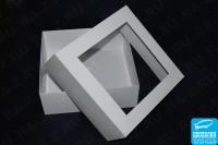 Коробка бумажная с прозрачной вставкой