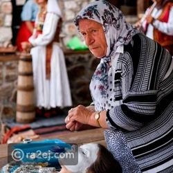 منهن عزيزة سيفتياتش التي تبلغ من العمر 70 عاما
