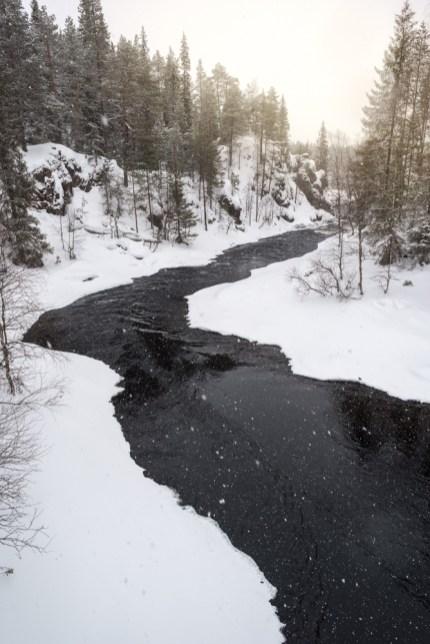 Tumma virta - Pekka Mehtälä