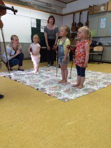 Pienten 3-4vuotiaiden ryhmätunnilta.