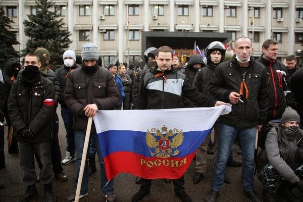 Pro-Russian activists 'defend' Odessa city offices