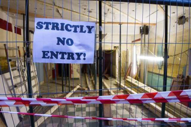 No entry.