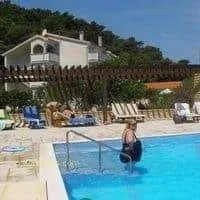 Cheap holiday ROOMS MEL - Rab bed & breakfast rooms in Croatia
