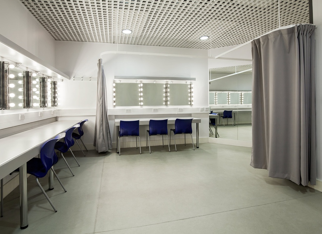 BPR Architects Hendon University Dressing Room