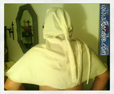 2015-07_Racaire_14th-century_white-hood_XL_hand-sewing-finished_3