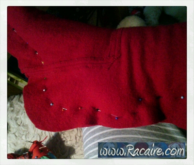 2014-11_Racaire_medieval-stockings_fitting-sewing_3