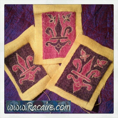 Racaire-medieval-embroidery_Klosterstich_needle-book_01-embroidery