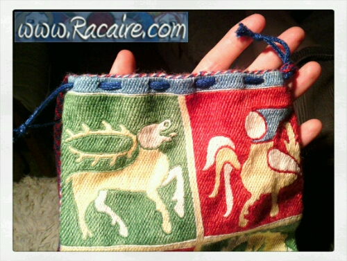 2015-04_Racaire_14th-century-pouch_23_finishing-2_05.jpg