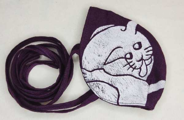 Special purple (magenta) colored linen cat face mask with long ties & white 16th century butt-licking cat print. New, pre-washed fabric, ready to wear & machine washable!