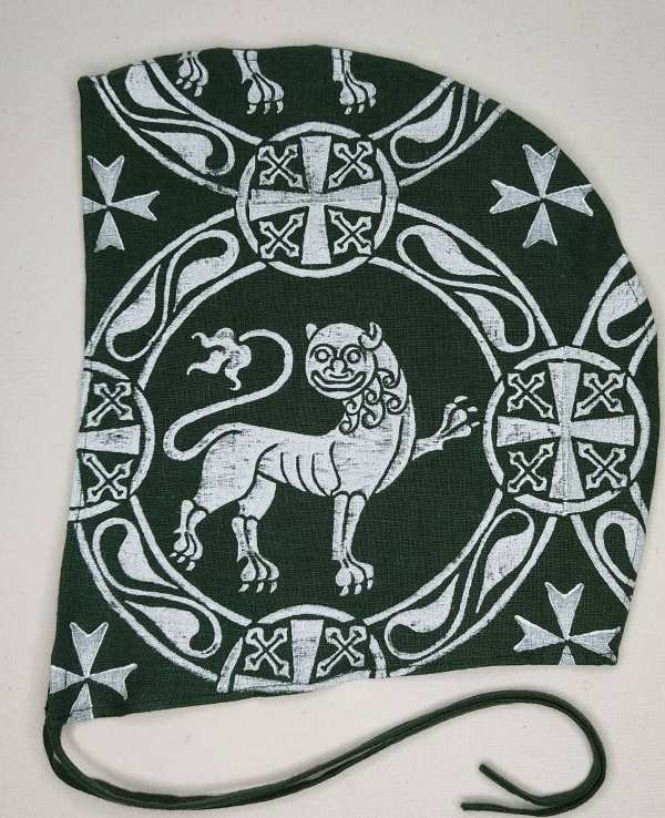 XLarge 12th century lion coif / arming cap made from dark green 100% linen fabric. Hand printed with a hand carved 12th century inspired lion stamp. Pre-washed linen fabric, ready to wear and machine washable!