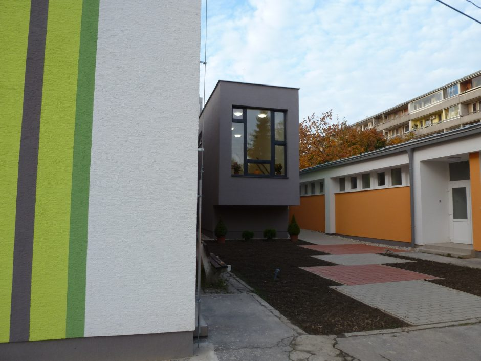Materská škola Barónka narástla o jedno poschodie, má novú fasádu, okná, zateplenie a tiež komplet nový interiér.