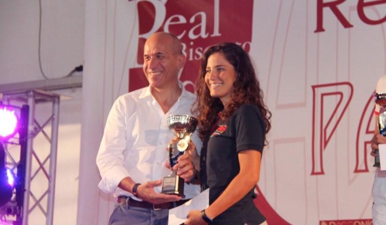 Francesca Selva sul podio con il sindaco di Racconigi Valerio Oderda