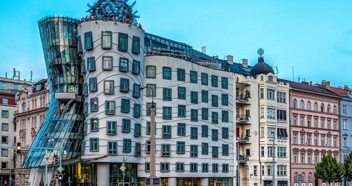 Casa danzante di Praga meraviglia di linee e curve