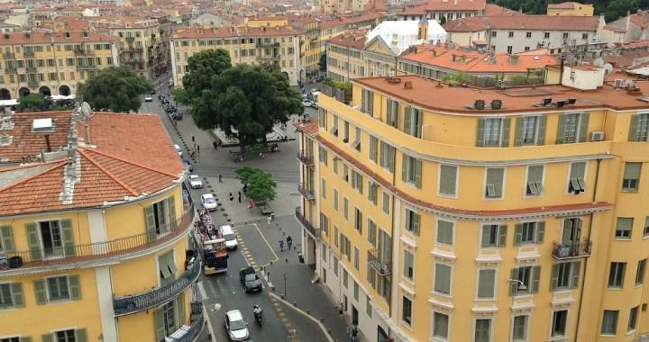 Attentato a Nizza, torna la paura in Francia