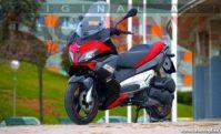aprilia-sr-max-125-300-50-ie-wallpaper-01-vinilo-pegatina-tira-banda-adhesivo-rueda-llanta-moto-tuning-vinyl-stripe-sticker-rim-wheel-motorcycle-scooter-racevinyl