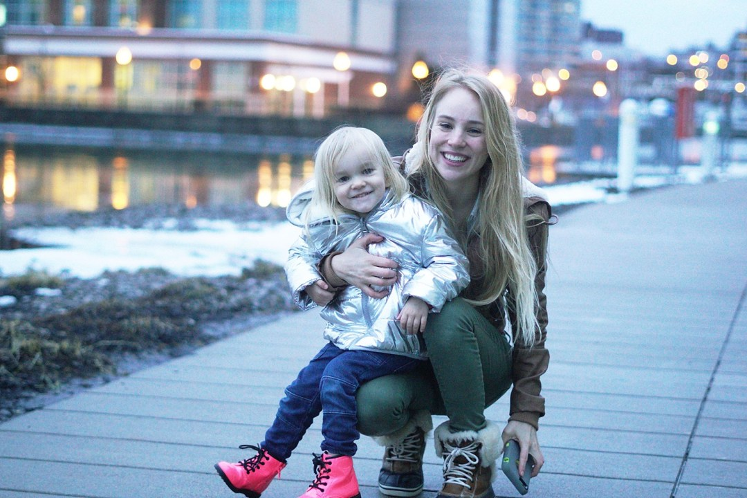 Busy Moms: Learning to Live in the Moment by Rachael Burgess