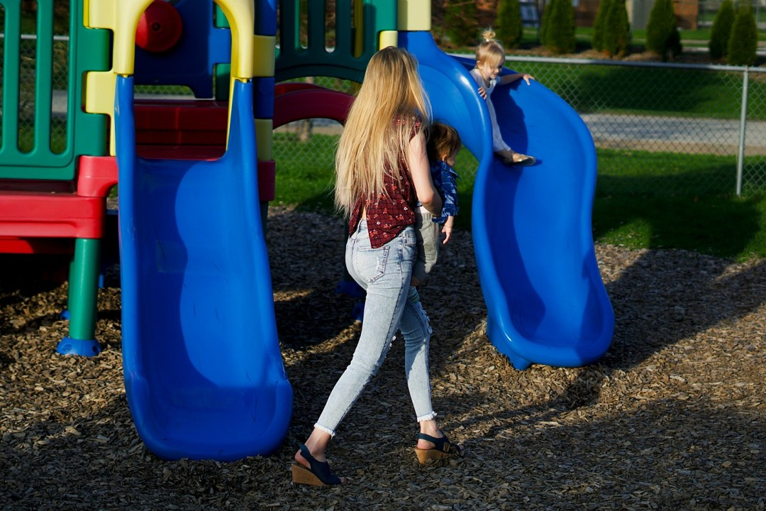 Family Day at the Park (easy & fun family outing with kids in the summer) by Rachael Burgess