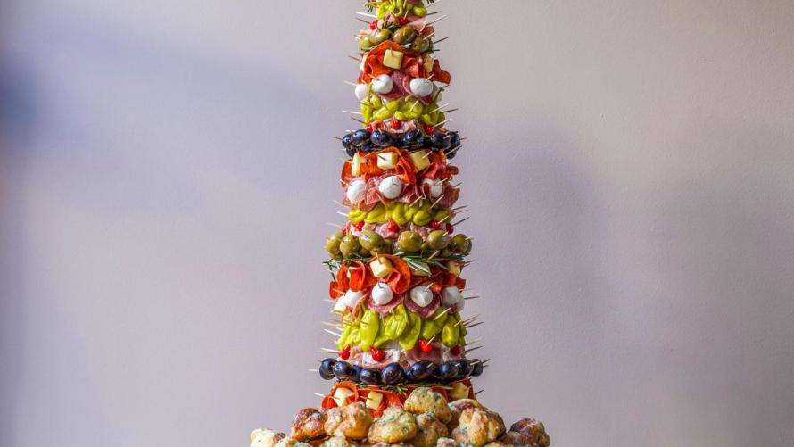Appetizer Tree Antipasto Tree With Garlic Knots Rachael