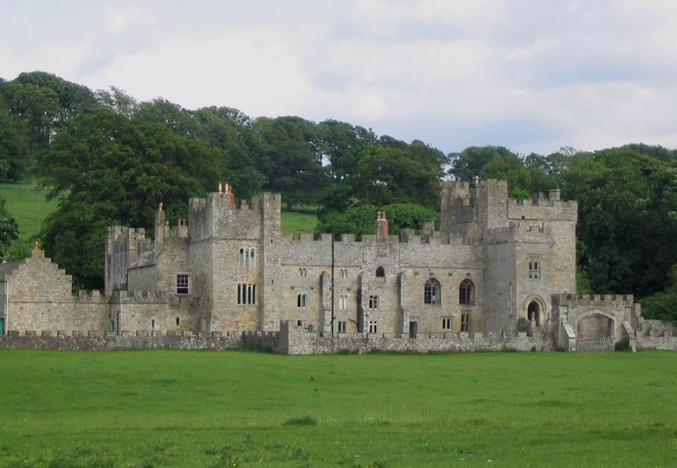Featherstone Castle - Set for Swords of Scavelia