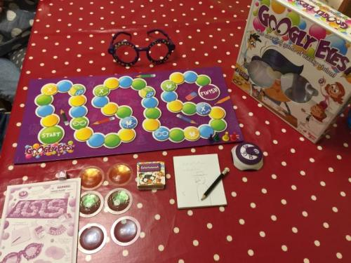 Creative, Comical Fun With The Googly Eyes Board Game