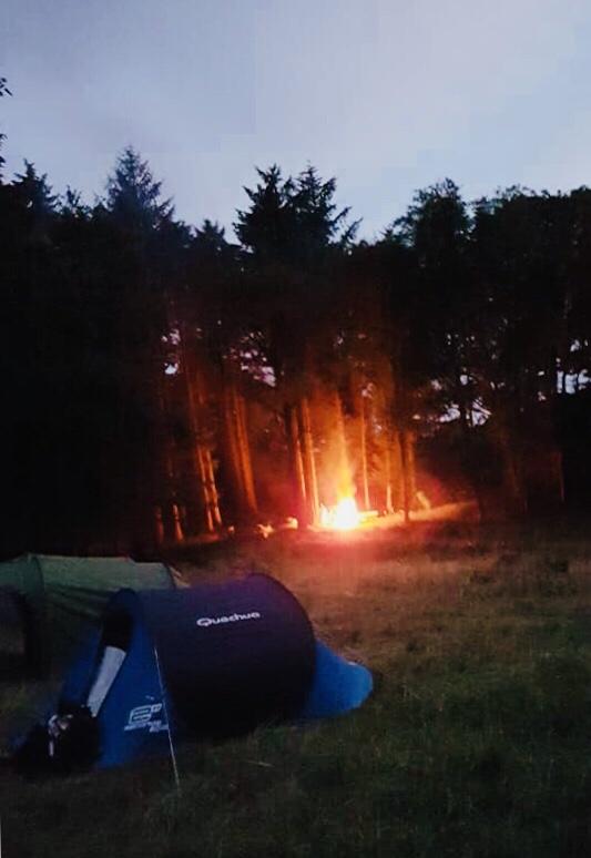 #MySundayPhoto – Friends Around The Fire