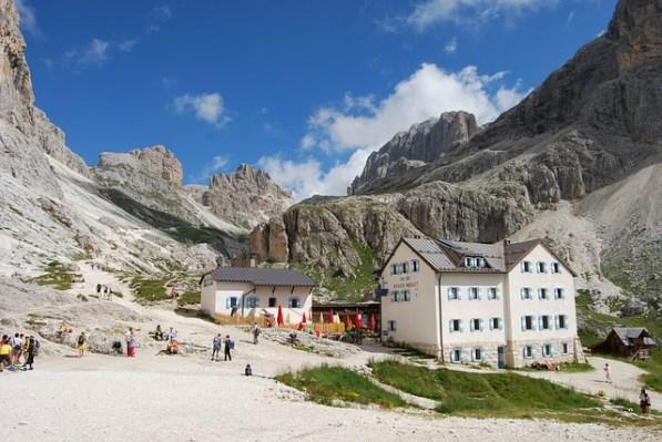 typische Felsformationen in den Dolomiten