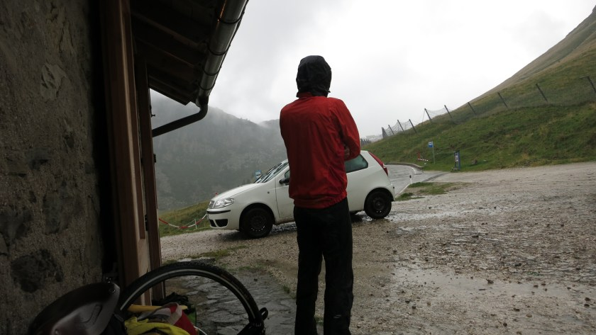 Regen am Passo Rollo