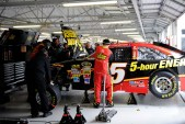 2012_Kansas_April_NASCAR_Sprint_Cup_Race_Clint_Bowyer_Garage