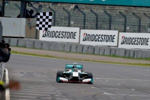 Super Formula Suzuka 2015 Andre Lotterer Finish