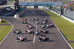 super-formula-suzuka-jaf-gp-2016-race-2-start